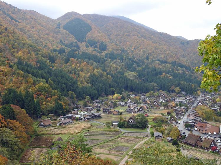 11月の3連休 紅葉の色づき 肌寒くなってくる季節 白川郷で満喫4