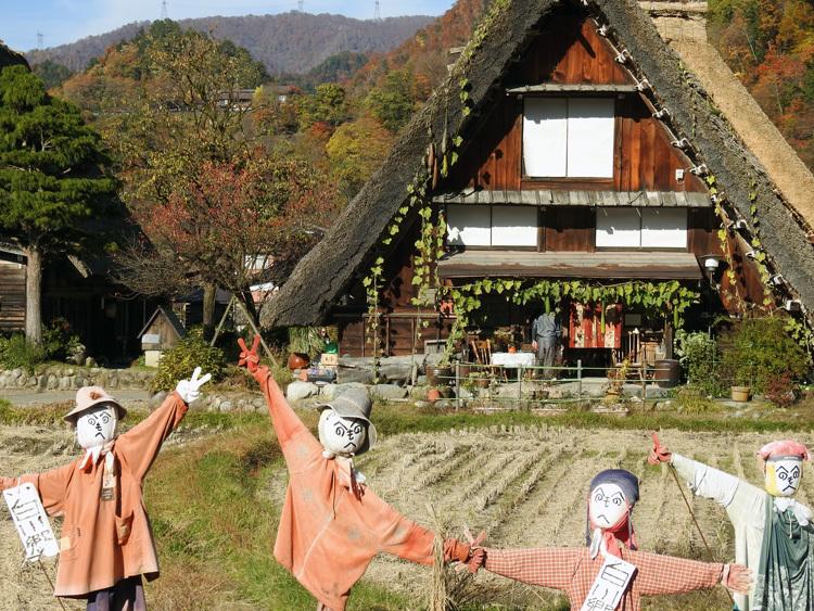 秋から冬へと移り行く白川郷の景色も5