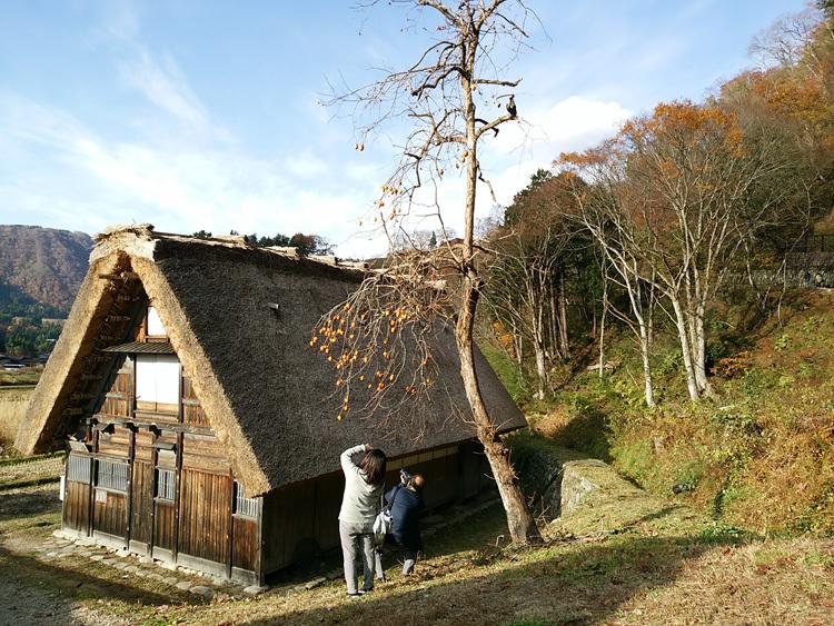 繰り返し訪れる人も少なくない世界遺産 白川郷合掌造り集落12