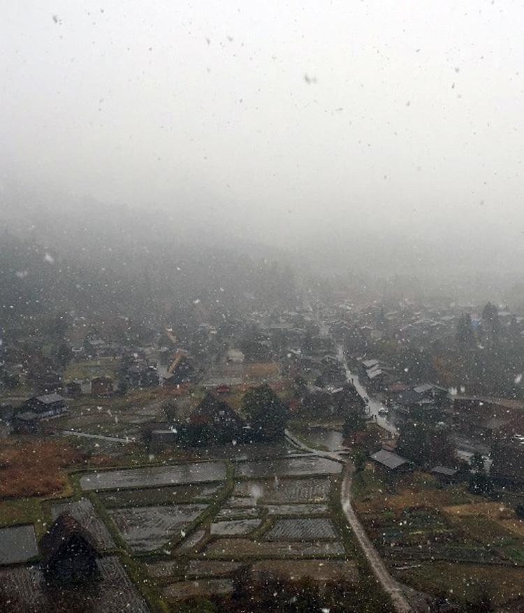 白川郷 本日初雪1