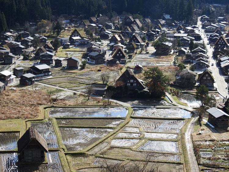 毎年冬の訪れを感じると、思わず浮かべるあの風景 白川郷 6
