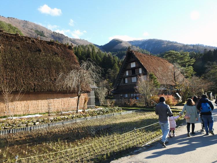 毎年冬の訪れを感じると、思わず浮かべるあの風景 白川郷 10