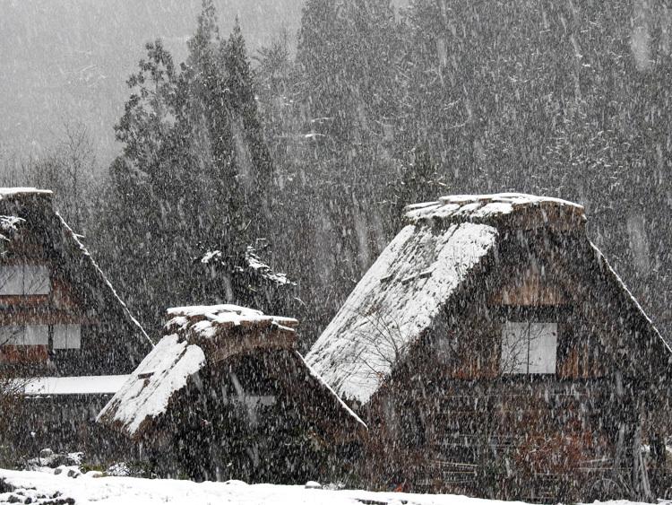 今日は白川郷へ! 雪もあり、最高3