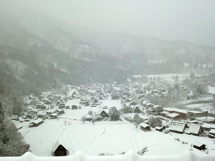 冬の白川郷の景観はとっても幻想的 で美しいスポット3