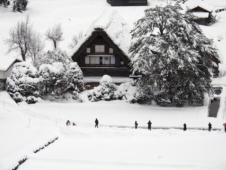 冬の白川郷の景観はとっても幻想的 で美しいスポット5
