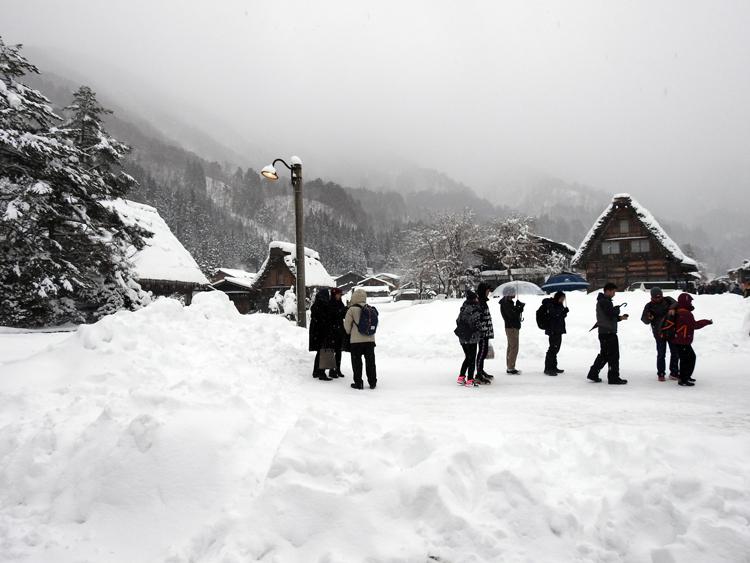 冬の白川郷の景観はとっても幻想的 で美しいスポット8
