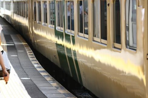 三島駅と185系