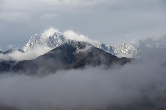 霧と雪とのコラボ・・・甲斐駒ヶ岳-03