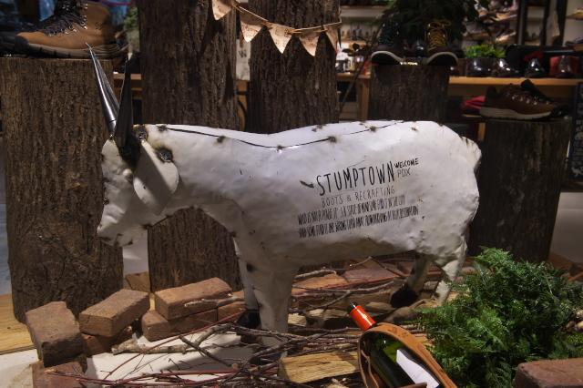 渋谷のDanner のお店Sutump Town-03