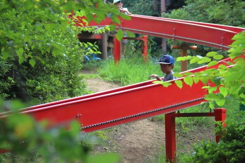 赤い滑り台