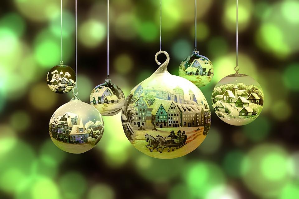 christmas-2877139_960_720.jpg