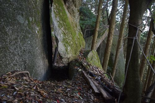 291104 岩石山9