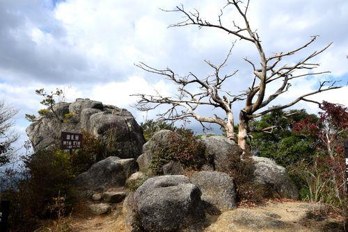 291104 岩石山29
