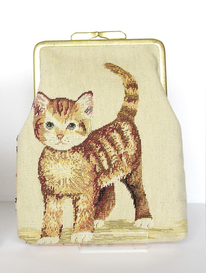ゴブラン織りの子猫のがま口1