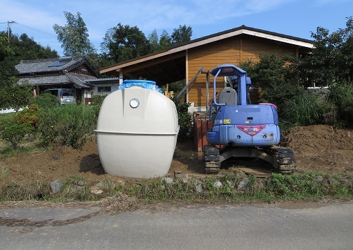 合併浄化槽タンク・外置き