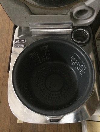 空っぽの炊飯器