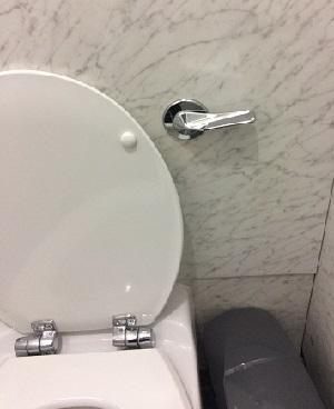 一方通行なトイレ