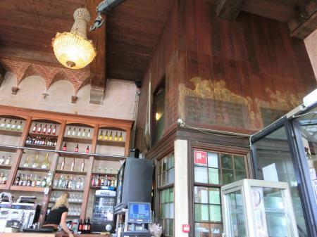 ホールン 計量所カフェレストラン4