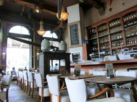 ホールン 計量所カフェレストラン3