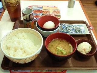 171005_4894「すき家」の「たまかけ朝食」250円VGA