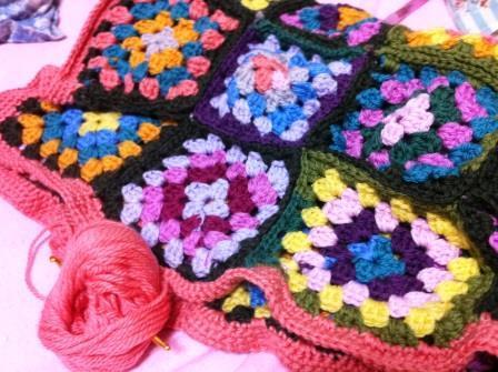 編み物着々と