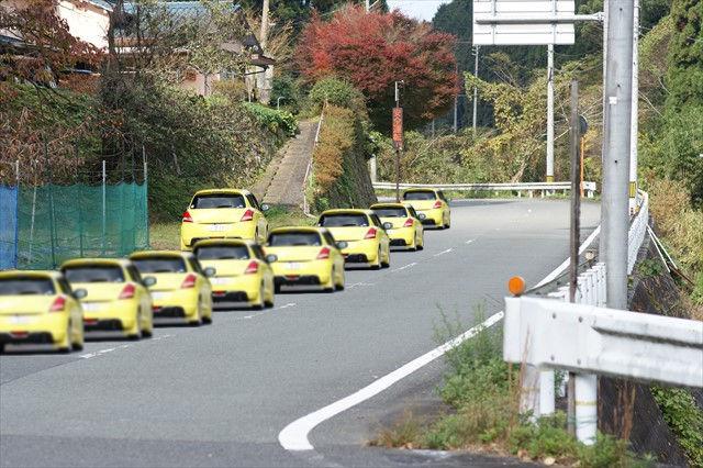 大渋滞のスイフトスポーツ