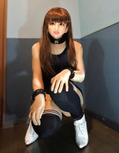 femalemask_Aqssw08n.jpg