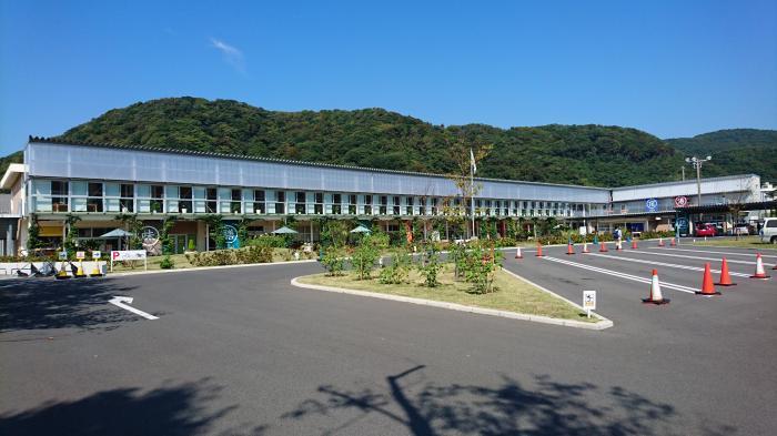 道の駅・保田小学校2