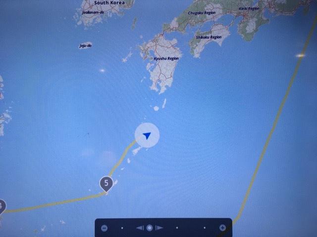 11月8日 沖縄トラフ付近から琉球海溝付近へ移動中