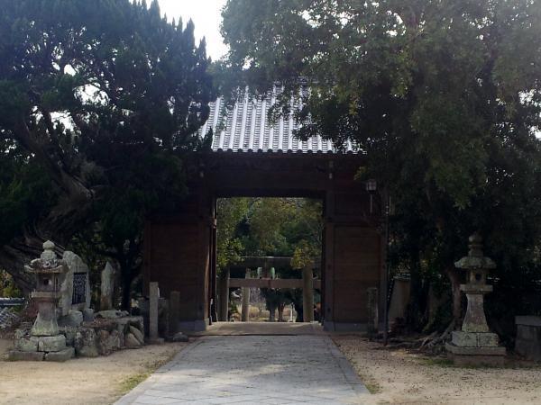 八幡宮通り門