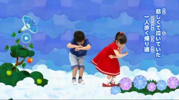 芦田愛菜ちゃん達がマルモリ中学生版で比較、悲しくて泣いてた(小学生版)