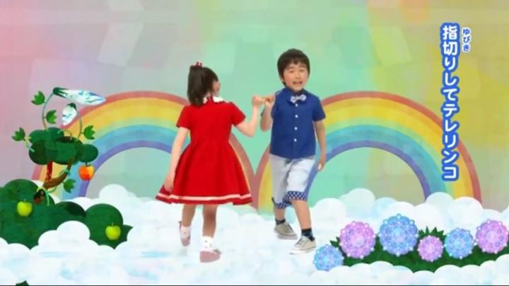 芦田愛菜ちゃん達がマルモリ中学生版で比較、指切りしてテレリンコ (小学生版)