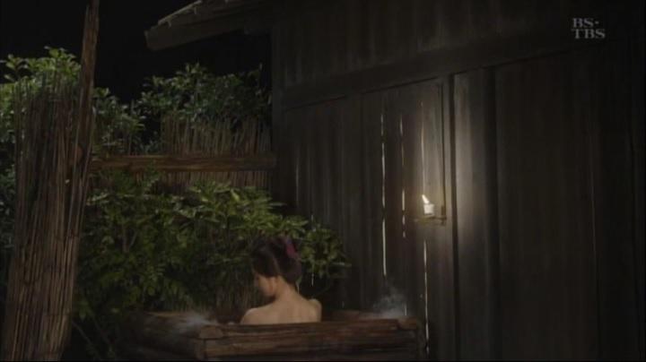 篠田麻里子が【水戸黄門】で御宝入浴シーンを披露!!詩乃入浴シーン(小)1
