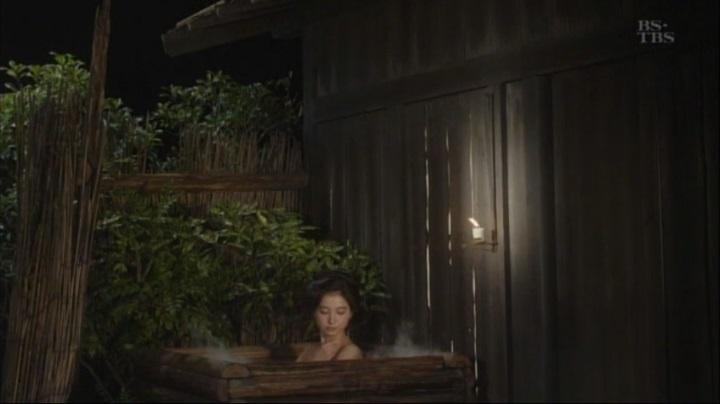 篠田麻里子が【水戸黄門】で御宝入浴シーンを披露!!詩乃入浴シーン(小)4