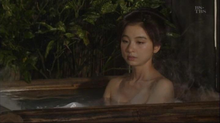 篠田麻里子が【水戸黄門】で御宝入浴シーンを披露!!詩乃入浴シーン(中)2