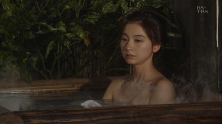 篠田麻里子が【水戸黄門】で御宝入浴シーンを披露!!詩乃入浴シーン(中)3