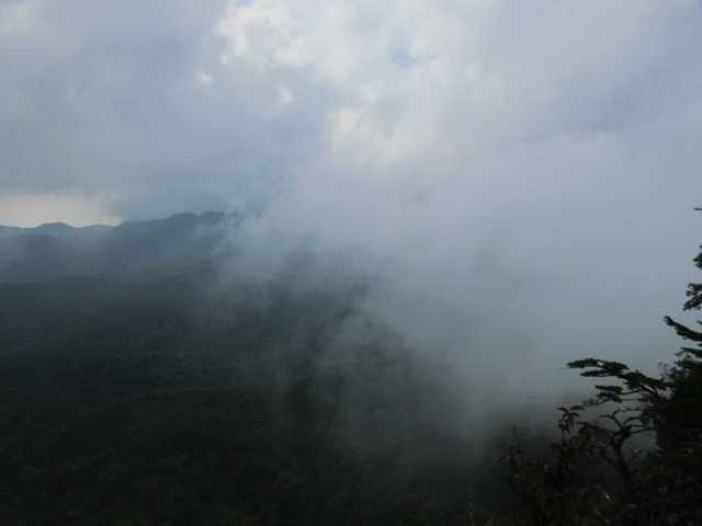 IMG2419JPG雲が取れない英彦山方面