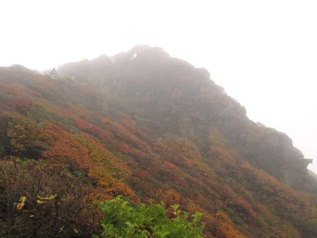 IMG2517JPG雨の大船山を望む