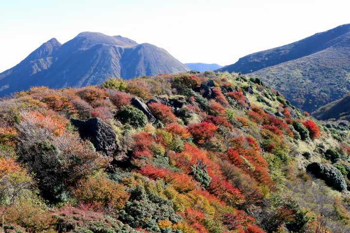 IMG5052JPG沓掛山と三俣山