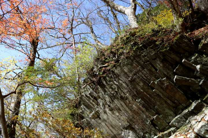 IMG5176JPG材木岩