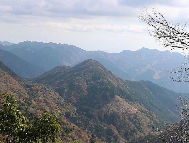 IMG5393JPG刈又山英彦山遠望