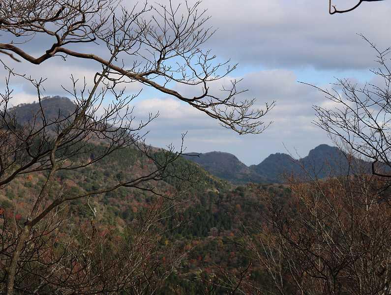IMG5402JPG北岳と鷹ノ巣山