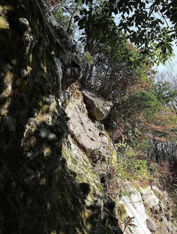 IMG5379JPG岩場のトラバース地点