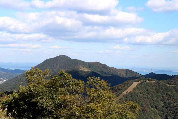 IMG5795JPG戸ノ上山を遠望
