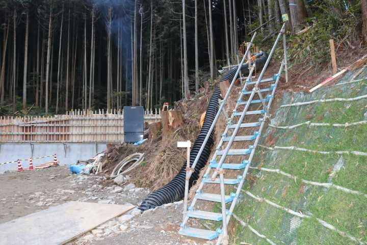 IMG6440JPG梯子を登って迂回路へ