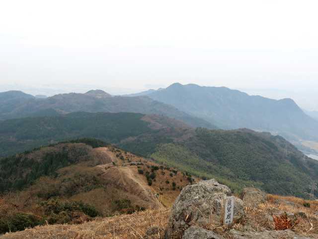 IMG6533JPG展望岩より苅田アルプス
