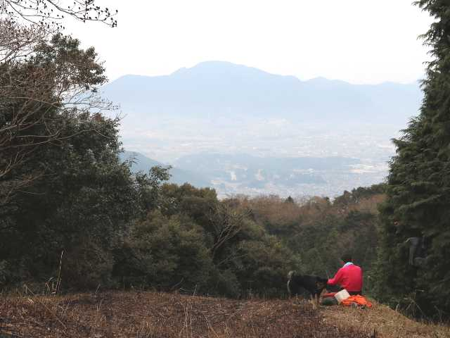 IMG6539JPG山頂から足立山山塊