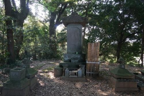 3墓石 (1200x800)