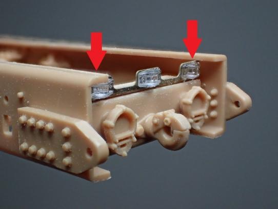 M1070&M1000重装備運搬車 エッチングパーツ干渉