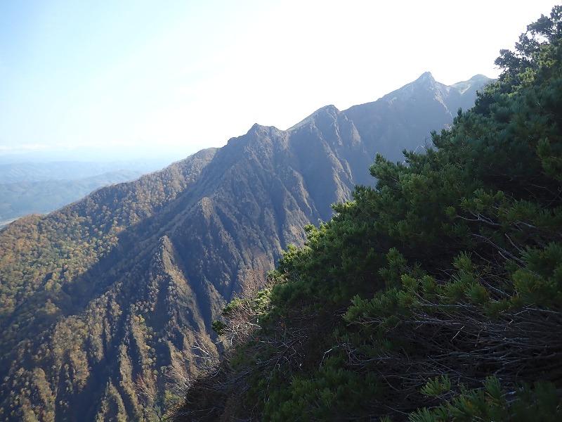 急斜面からの芦別岳